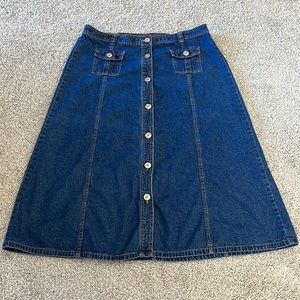 Size 18 button up jean skirt